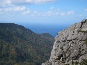 縫道6南東稜3P終了点から西稜を望む