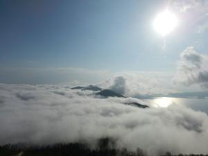 雲海に浮かぶ紋別岳にウットリ♡
