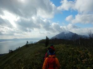 支笏湖を常に見ながら下山できるなんて、本当にステキ