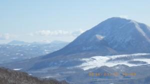 尻別山と遠くに樽前山