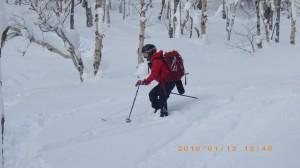 少し前に入門を終えたばかりのIちゃんは、スキー経験もあまりなくてやや苦戦気味でしたが、無事に下りました。