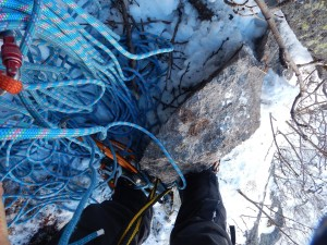 掴んだ岩が脆く、一度落ちかけ支えるのも限界があり、下へ合図と共に落下。